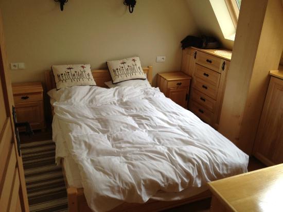Szymoszkowa Residence: Tiny double bed - only 1,4m wide