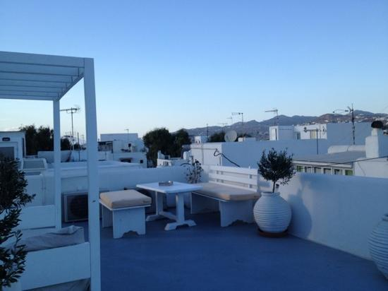 Orpheas Rooms: terrasse