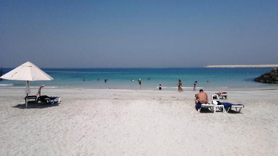 Dubai Marine Beach Resort and Spa: Spiaggia privata