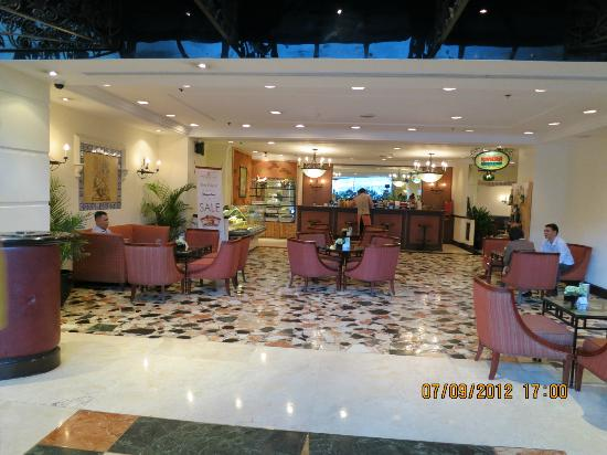 The Heritage Hotel Manila: Lobby Lounge