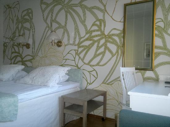 ريفولي جاردين هوتل: Standard room