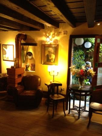 Novecento Boutique Hotel: Very cousy and pleasant tea and breakfast rooms