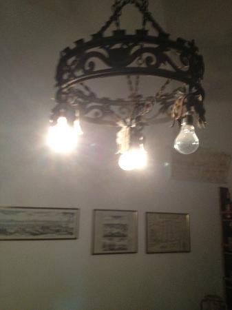 Masseria Murgia Albanese: lampadario