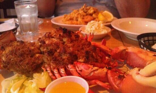 Blue Lobster Grille: Stuffed lobster