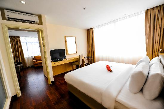 Rocana Hotel Kuantan: Suite