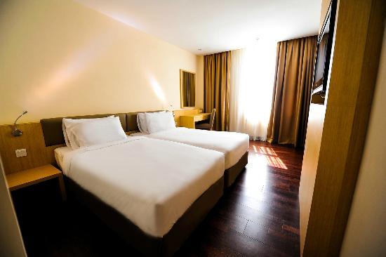 Rocana Hotel Kuantan: Superior Twin Room