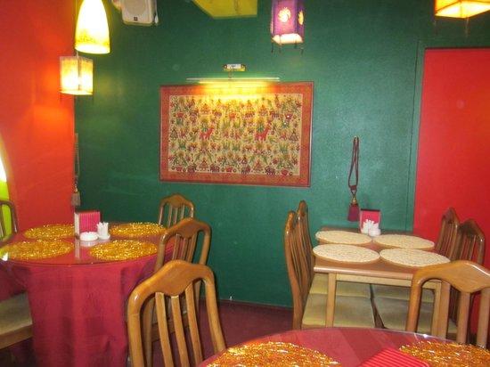 Karma Indian Restaurant: панно