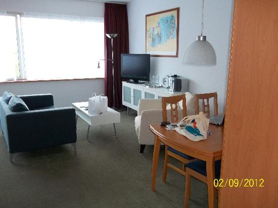 Htel Serviced Apartments Amstelveen: Entertainment