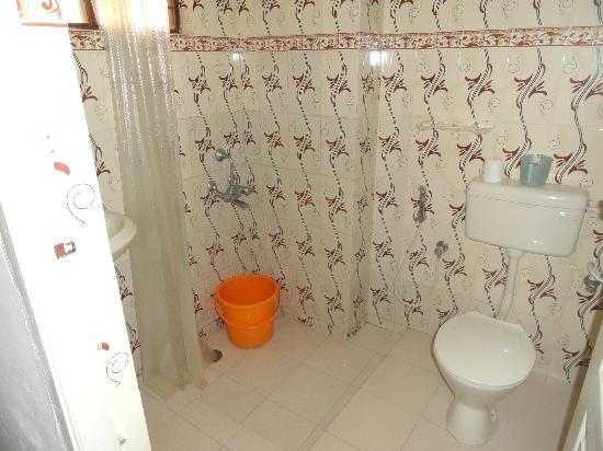 Royal Resorts: Royal Kovalam Beach Club: view of the bathroom