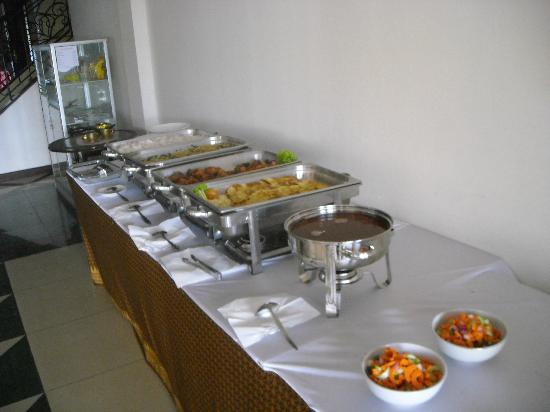 Rainforest Wattana Hotel: breakfast buffet