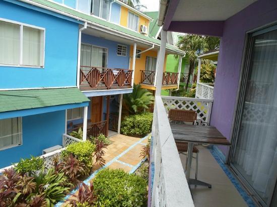 Cocoplum Beach Hotel: Hotel & Hotelgelände