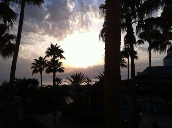 Bahia Principe Tenerife: sun set from our balcony
