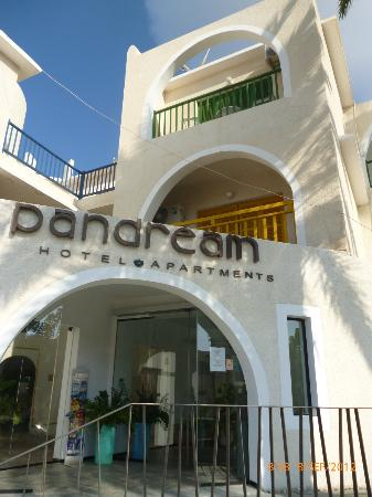 Pandream Hotel Apartments: main entrance