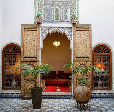 Riad Idrissy: The Salon as seen from the courtyard