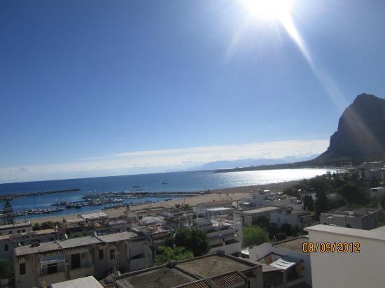 Albergo Auralba: panorama mattutino...proprio niente male !!!