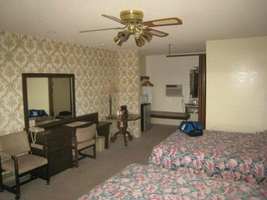 The Lewis & Clark Motel of Bozeman: room