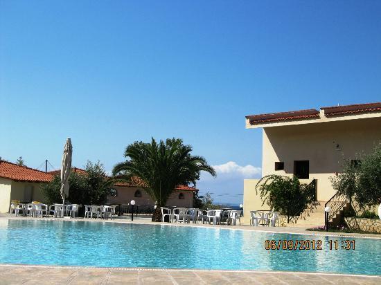 Village Mare Hotel: pool
