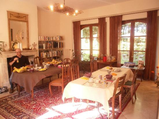 Domaine de la Tour : The dining room