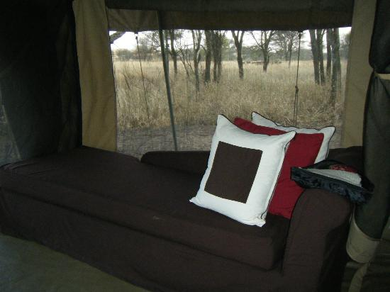 Dunia Camp, Serengeti: lounge area