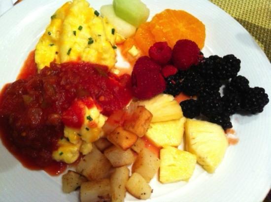Phoenix Airport Marriott: Plate from Breakfast Buffet