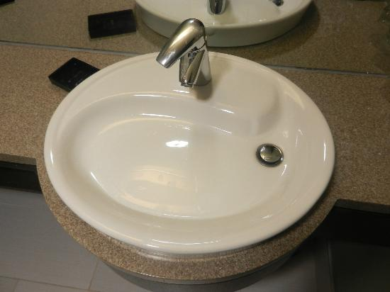 Hotel Alma at the University of Calgary: An Infamous shallow sink