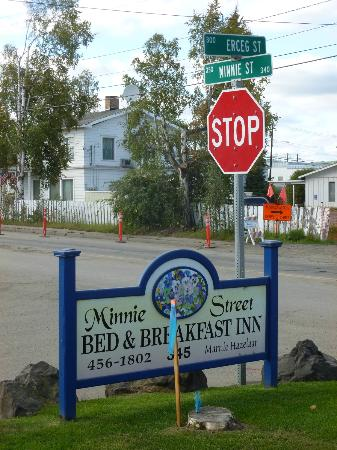 Minnie Street Inn: B&B sign