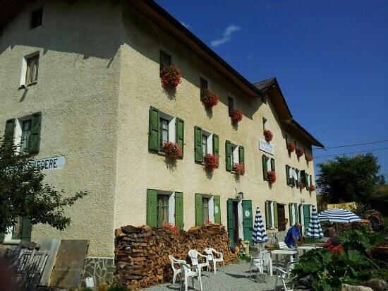 ingresso albergo ristorante Belvedere al Piano del Frais