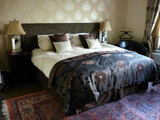 Plas Uchaf: Bedroom with King Size bed.