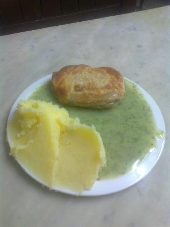 Manze M: 1 pie 1 mash and liquor