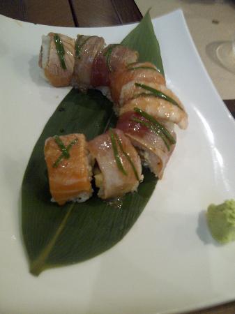 Hana Restaurant: Rainbow Roll Special
