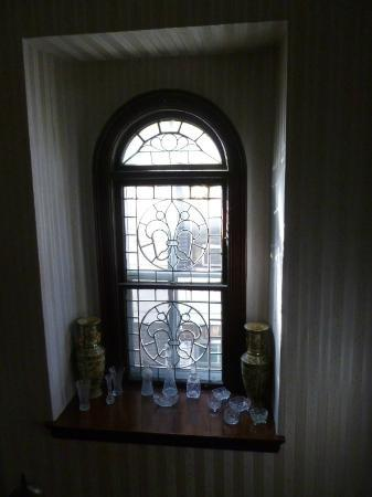A Night to Remember B&B: Looking out the beautiful window