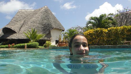 Kenga Giama Resort: La piscina al Kenga