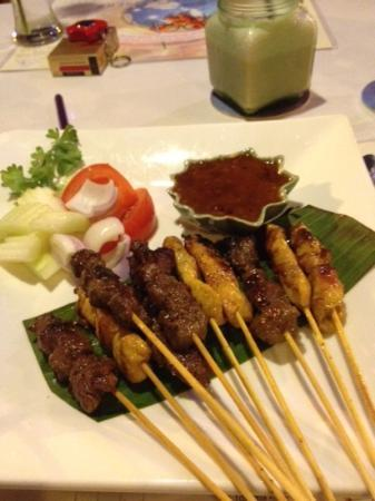 Magic 1: Traditional chicken and beef Satays....absolutely awesome.