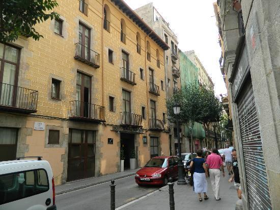exterior of hotel picture of catalonia born barcelona tripadvisor. Black Bedroom Furniture Sets. Home Design Ideas