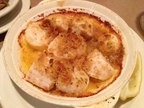 The Hampstead House Restaurant: Broiled Scallops at Hampstead House