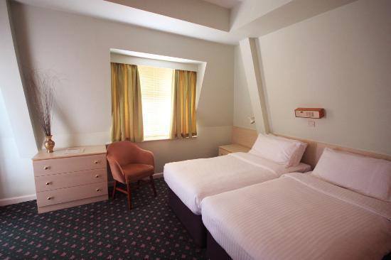 The Norfolk Hotel: A twin room