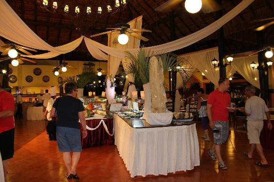 Hotel Riu Lupita : dinner
