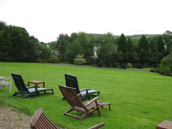 The Mustard Seed at Echo Lodge: front lawn with sitting chairs