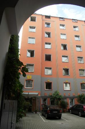 City Hotel Deutschmeister: l'edificio all'interno del cortile