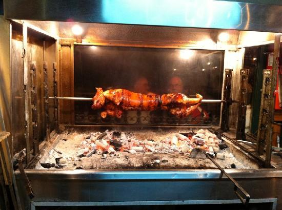 Agnadio Restaurant: The best roasted piglet !!!!