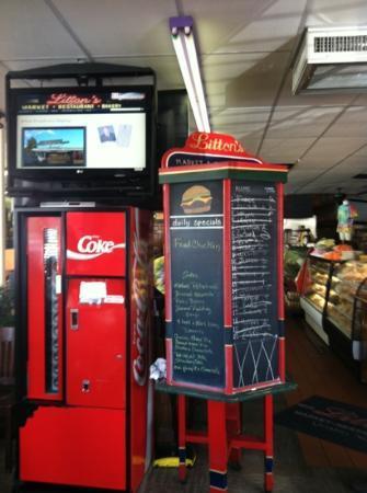 Litton's Market & Restaurant: Sign in board