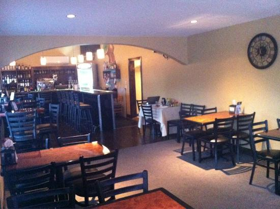 Bridgton House of Pizza: Dining and Bar