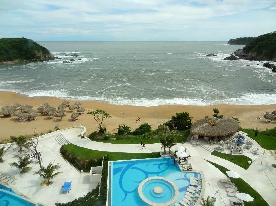 Secrets Huatulco Resort & Spa: View of the bahia