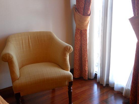 Hotel Maestranza: Butaca al lado de la ventana