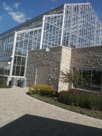 Sinnissippi Park: Nicholas Conservatory Facility