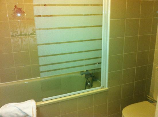 Orbelys Hôtel : salle de bain