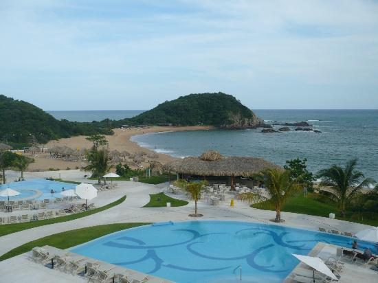 Secrets Huatulco Resort & Spa: quiet bay area