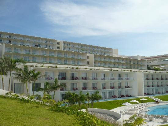 Secrets Huatulco Resort & Spa: view of building from spa