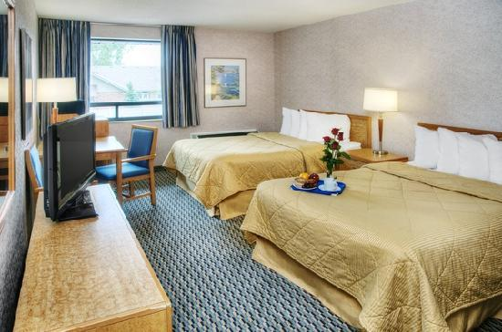 Econo Lodge Airport: Comfort Care 2 double beds with 32in LCDTV