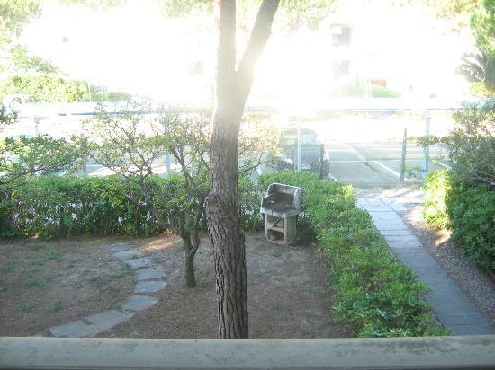 Hotel Residence Stella del Mare: Giardino dell'appartamento
